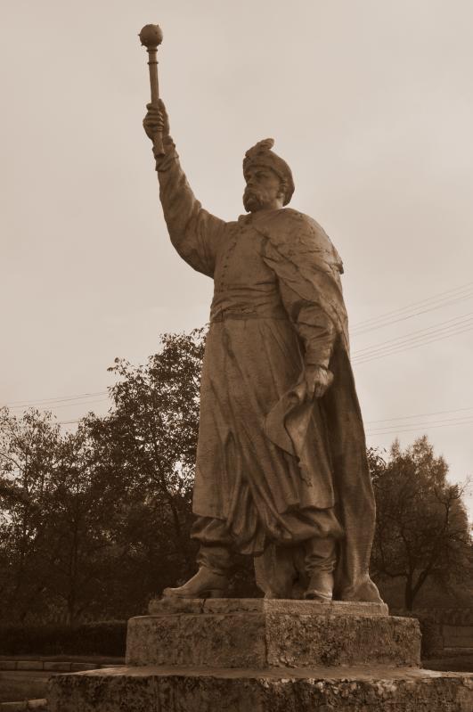 Пам'ятник Хмельницькому в містечку Любомль на Волині. Фото Wikipedia.